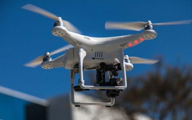 Ecco il nuovo regolamento sui droni: un breve cenno alle novità. Oggi voglio parlarvi dell'ultima novità in tema di droni...nei giorni scorsi è uscito il nuovo regolamento sui velivoli a pilotaggio remoto, emanato dall'ENAC. Nel mio articolo elencherò tutte i camb #droni #regolamentoenac