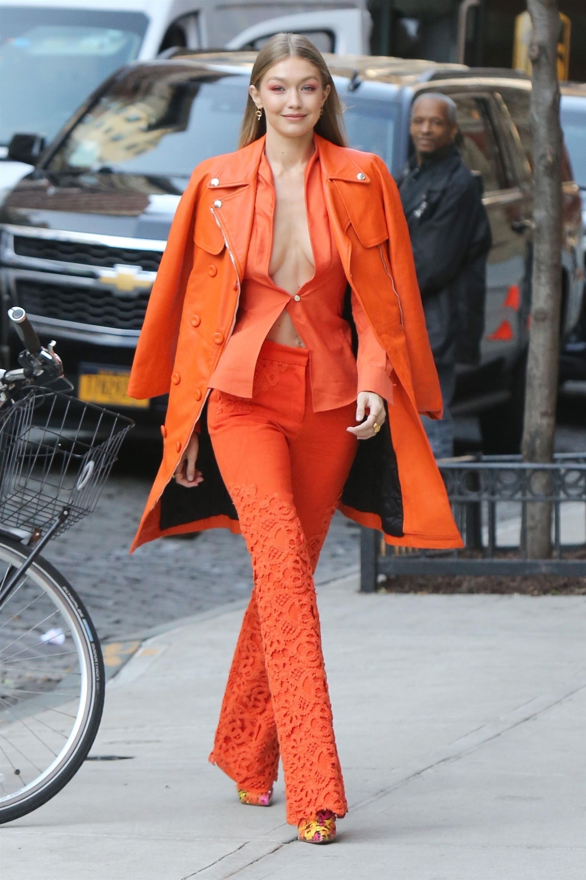 Gigi Hadid In Ronald van der Kemp & Moschino – Out In New York City – Street Style