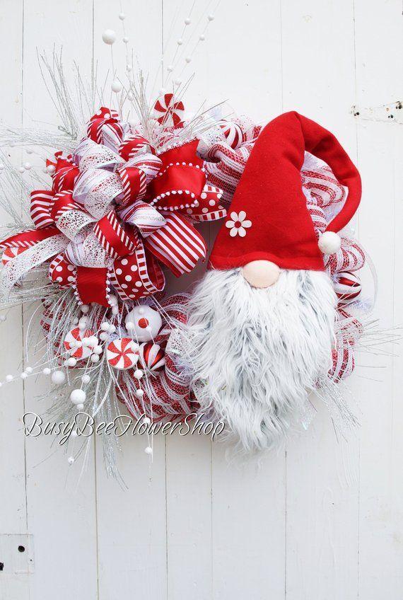 Photo of Weihnachtskranz mit Weihnachtsmann für Haustür, wunderlicher Weihnachtsmann-Netzkranz, Zuckerstangen-Netzkranz in Rot und Weiß, Weihnachtstür