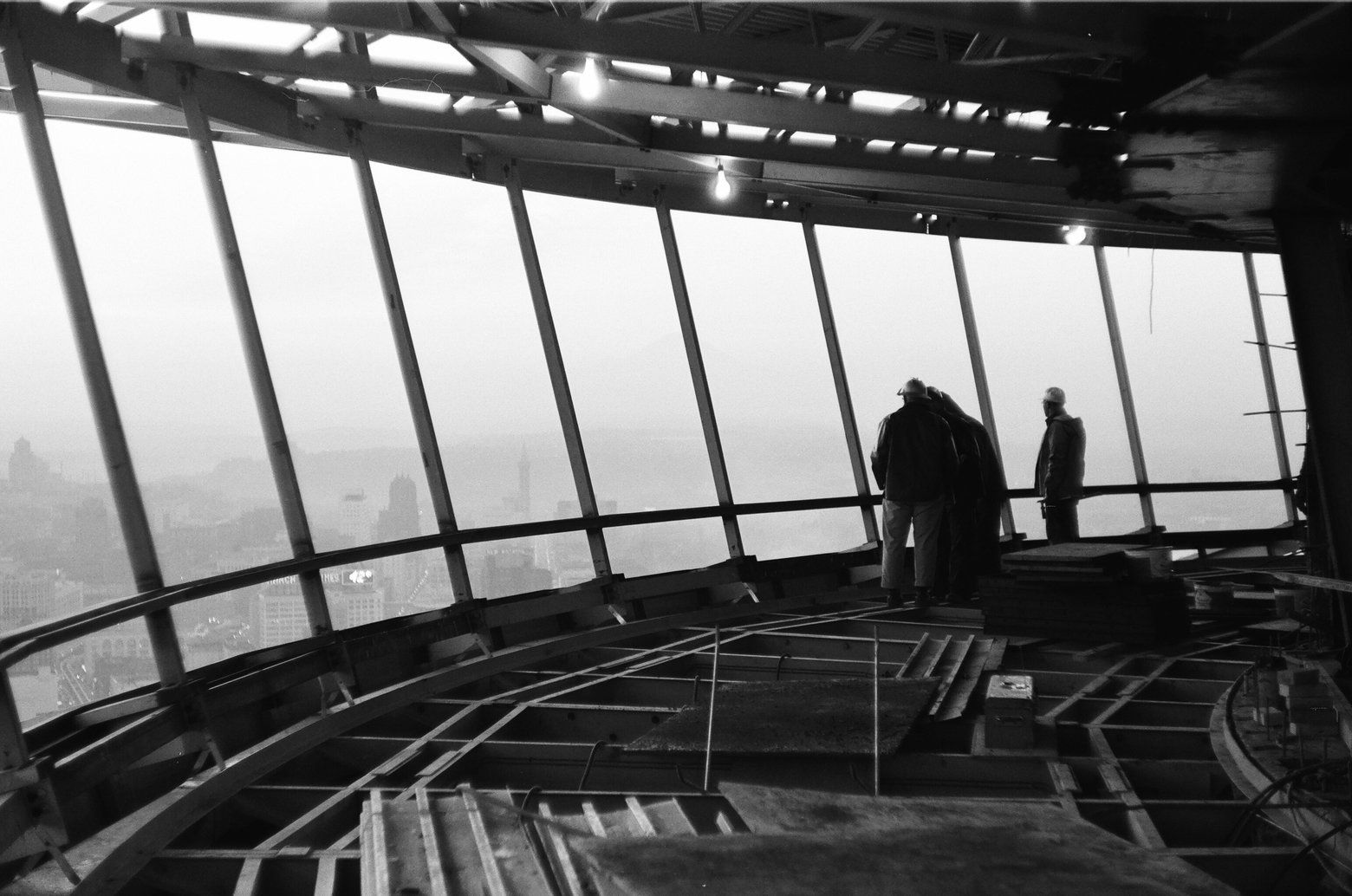 Stunning Photos Capture Workers Who Built Space Needle Space Needle World S Fair Seattle History