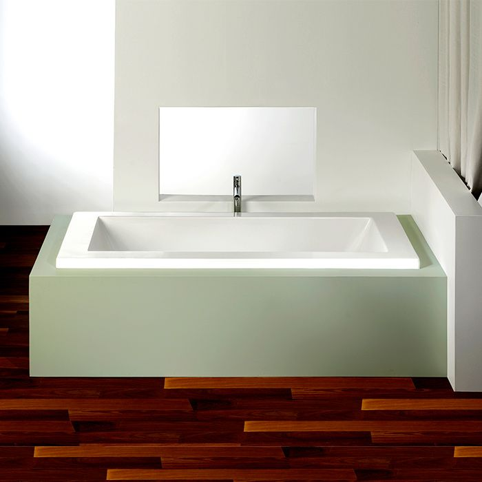 Alcove\'s rectangular bathtub with podium style / Flory De Colt ...