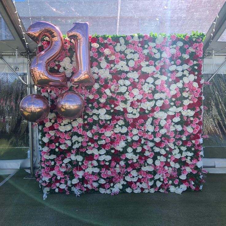 Flower wall Balloons = #Party #GoldcoastParty # 21.Geburtstag # 21.Blumenwand #21stbirthdaydecorations