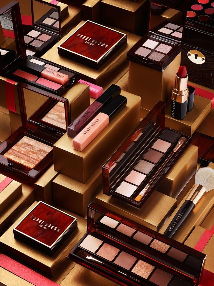 There are many cosmetic business marketing mineral makeups