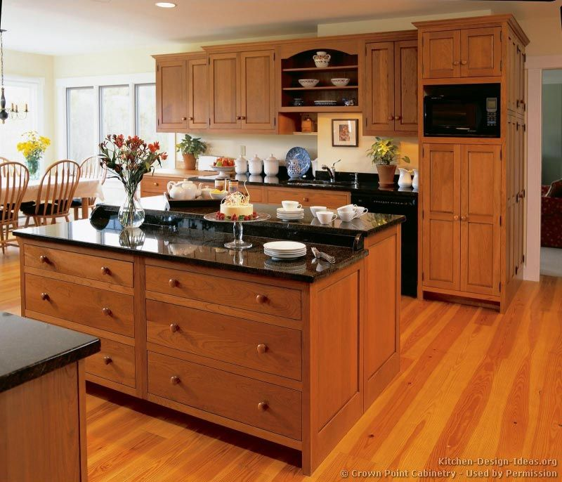Light Oak Kitchen Cabinets: Traditional Light Wood Kitchen Cabinets #141 (Crown-Point