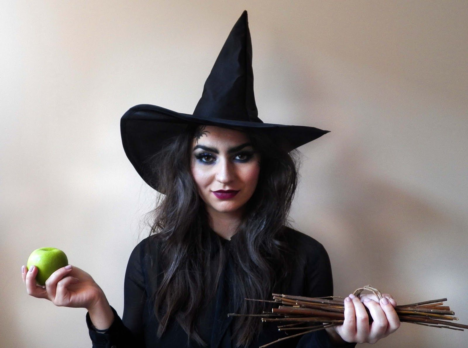 Witch makeup pretty squared halloween wicked witch makeup witch makeup pretty squared halloween wicked witch makeup tutorial love the baditri Images
