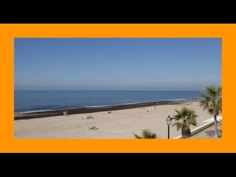 Hotel Duque de Najera 4* - Hoteles en Rota. Info + Reservas + Opiniones + Ofertas en http://goo.gl/VwV0JE  El Hotel Duque de Najera tiene una ubicación ideal junto a la playa de Rota y el puerto deportivo, en la hermosa Bahía de Cádiz. Tiene una piscina al aire libre, sauna y gimnasio.  Hotel Duque de Najera también tiene una terraza con vistas a Rota y un bonito jardín. Hay 2 restaurantes y un bar. Servicio de habitaciones disponible.