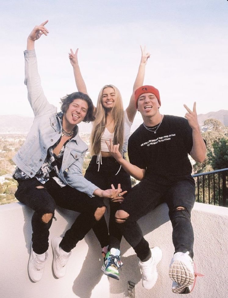 Inside The Tiktok Collective The Hype House Friend Photos Friend Photoshoot Boy And Girl Best Friends