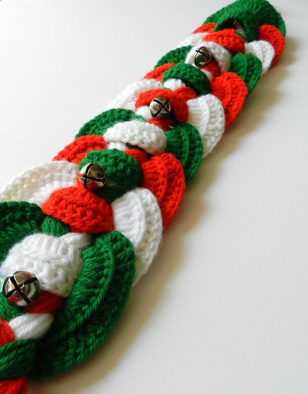 Crochet christmas braided wall hanging door hanger with silver christmas crochet patterns bankloansurffo Image collections
