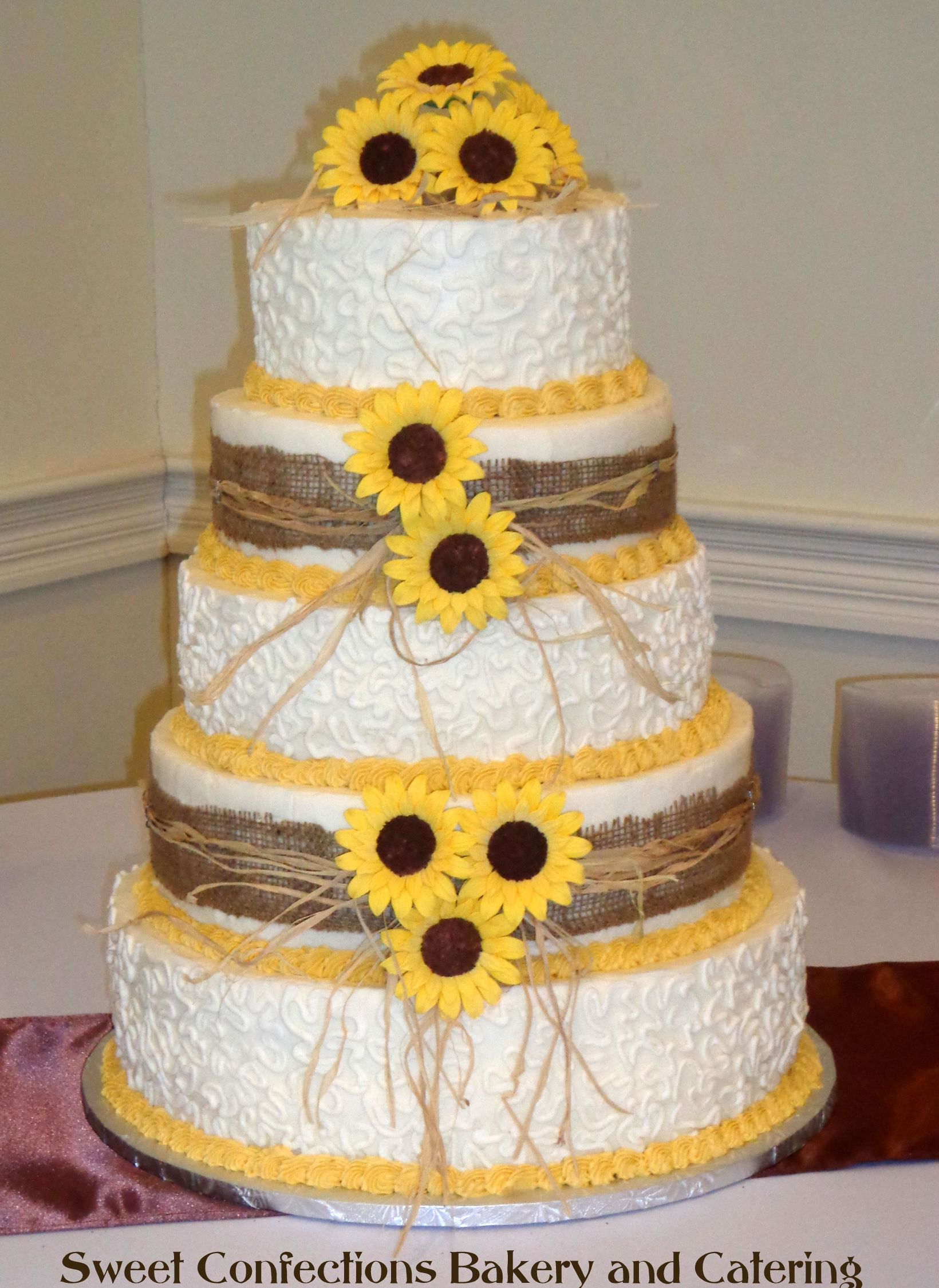 Sunflower Dream. This cake has fondant sunflowers. It has