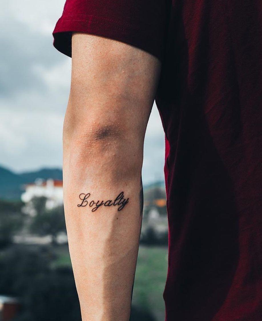 One Word Tattoos For Guys : tattoos, Awesome, Minimalist, One-Word, Tattoo, Ideas, Millions, Grace, Loyalty, Tattoo,, Writing, Tattoos,, Tattoos