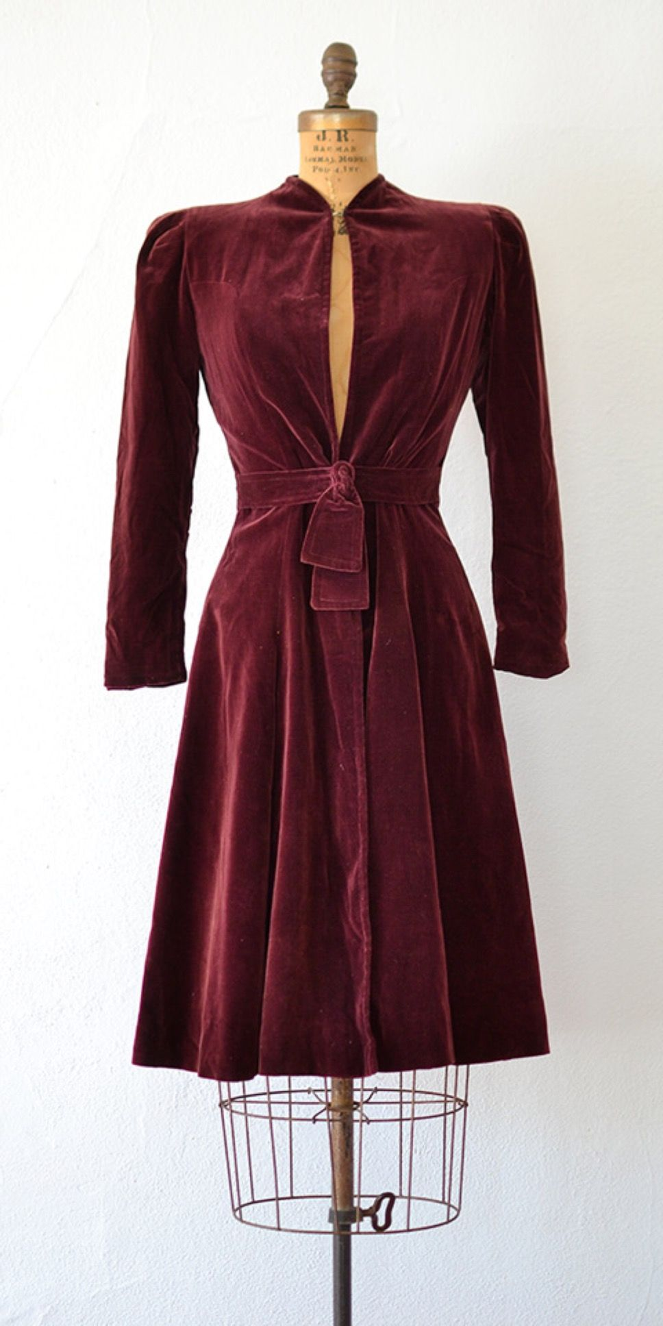 vintage 1930s 1940s dress // Viewing at Louvre Dress // www.adoredvintage.com