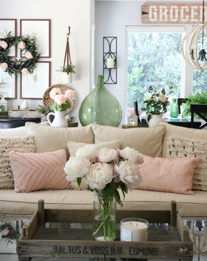 pink decor ideas   Living room decor pieces, Summer living ...