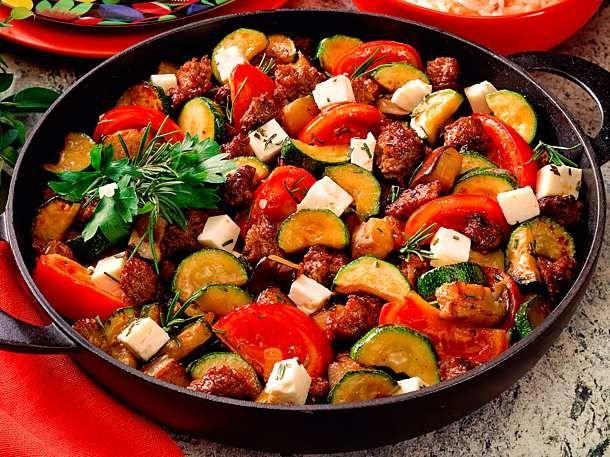 Zucchini-Auberginen-Hackpfanne Rezept | LECKER