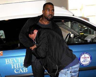 Kanye West Gets In A Fight With Paparazzi Paramedics Called To The Scene Video Josalynmonet Com Kanye West Celebrity Entertainment Confessions