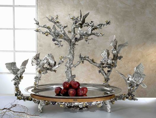 """Beautiful """"Tray Doves"""" For Weddings banquet. """" Made of silver plated and gold decorations, internal support in marble dust. From the refined and modeled entirely handmade by Italian goldsmiths. Brunel Preziosi d'Autore - Italy"""