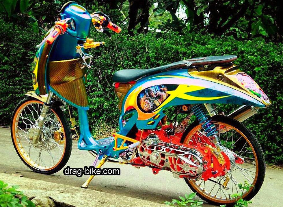 Modifikasi Scoopy Thailook Simple Jari Jari Velg 17 Street Racing