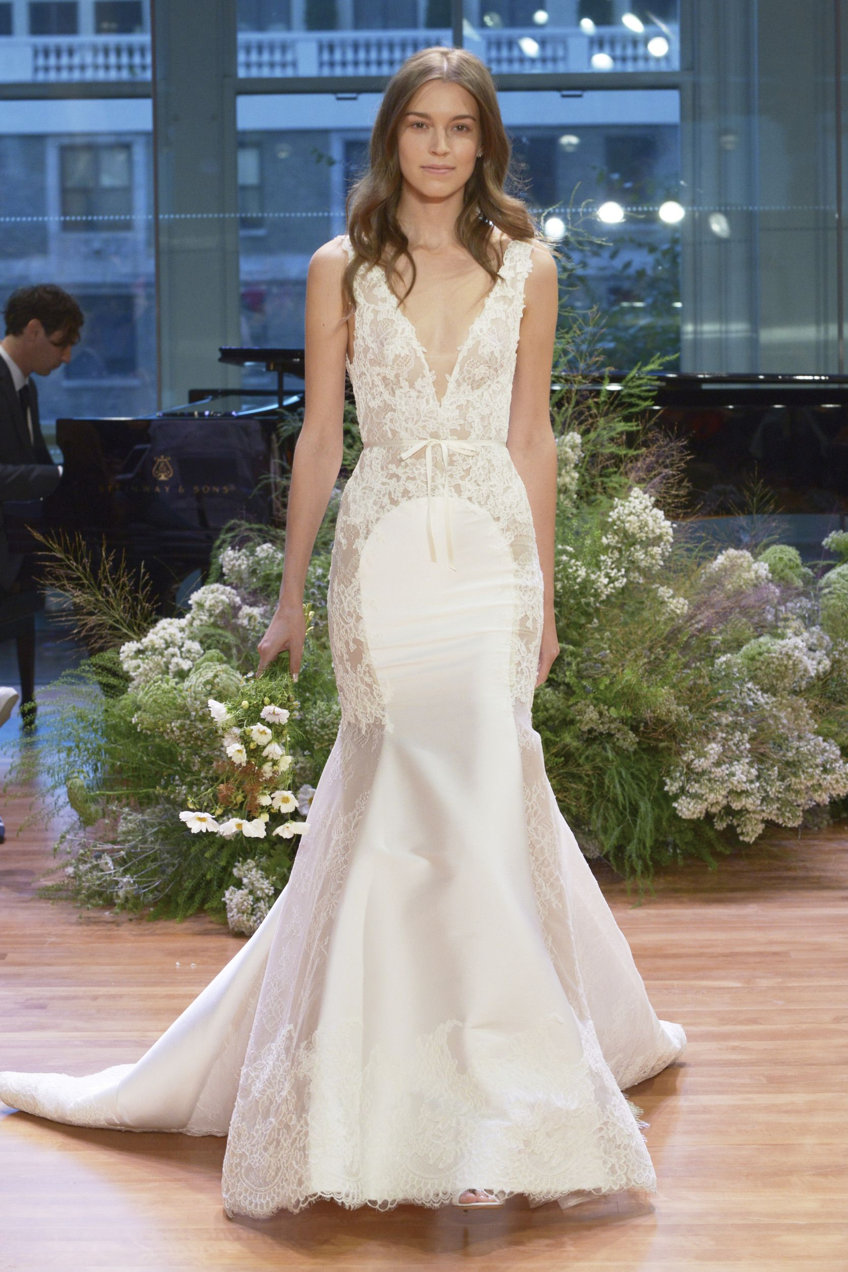 Monique Lhuillier Bridal Fall 2017: What dreams are made of ...