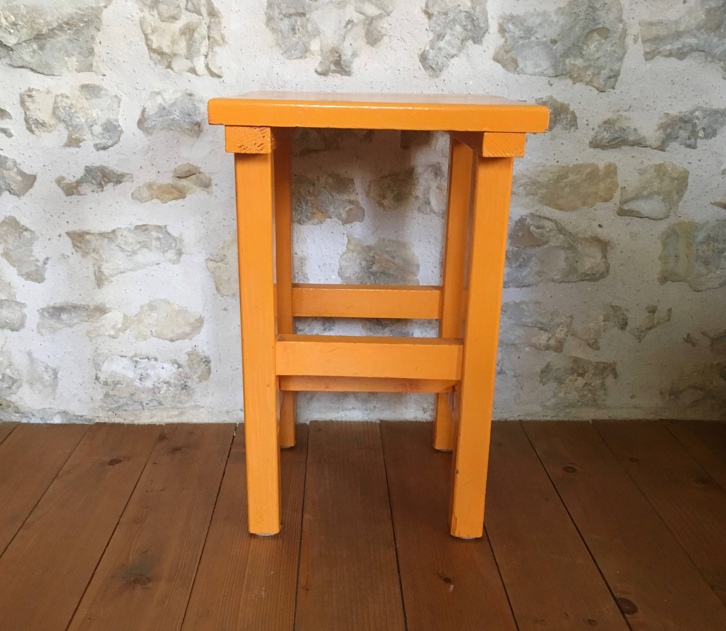 Tabouret orange bois années 70 French Vintage kitchen wood stool de ...