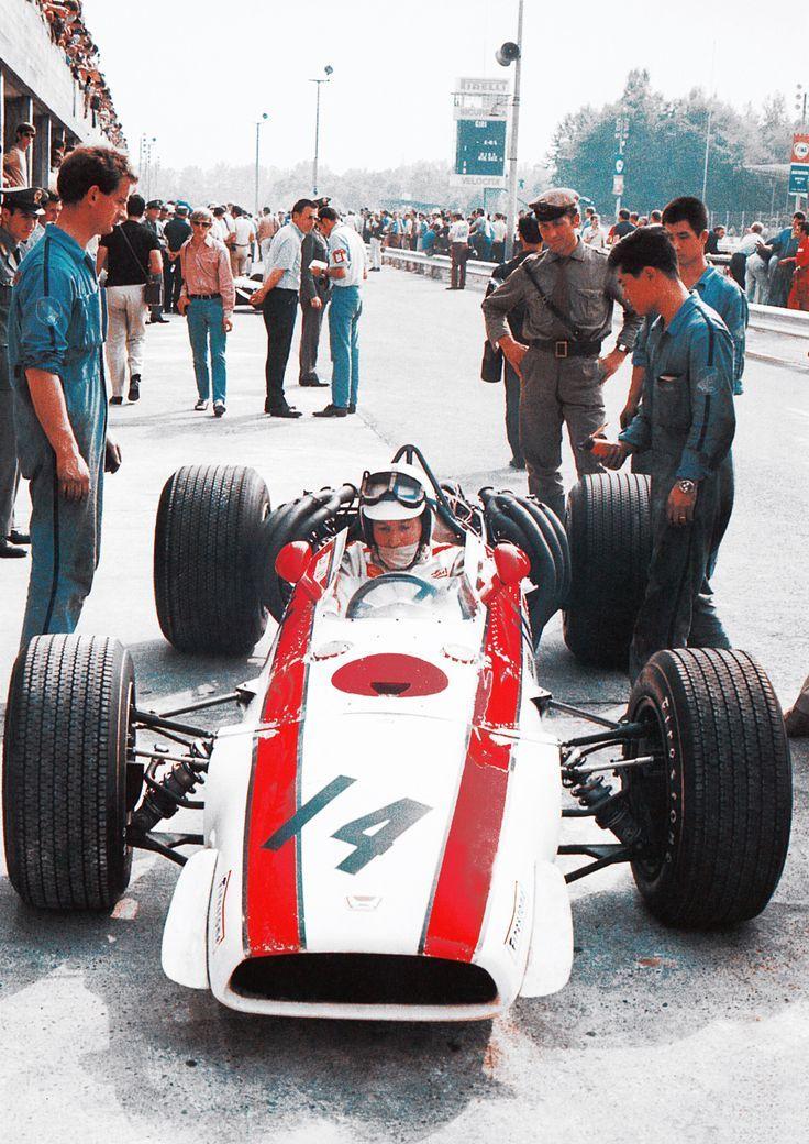 1968 @Autodromo_Monza - Honda Racing RA300 - John Surtees
