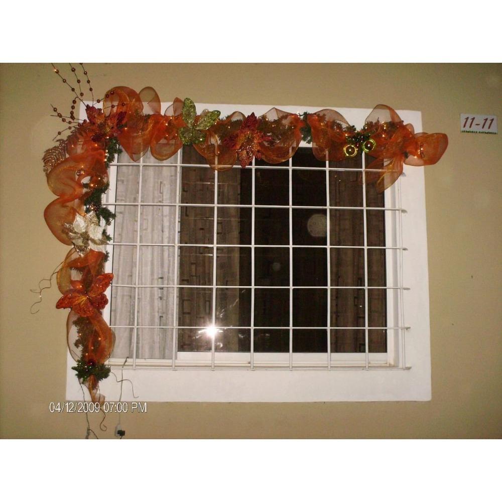 Adornos navideos para oficina crea un adorno navideo para la puerta con un marco de foto - Arreglos navidenos para la casa ...