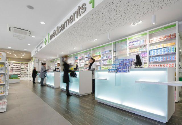 pharmacie de l 39 atlantique espace caisse comptoirs lumineux pharmacy design pinterest. Black Bedroom Furniture Sets. Home Design Ideas