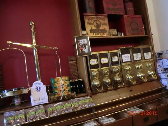 Zutphen koffie thee winkel 39 de pelikaan 39 met oud for Interieur winkels