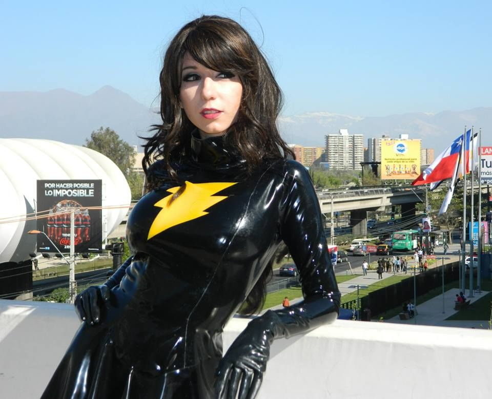 suit messy latex