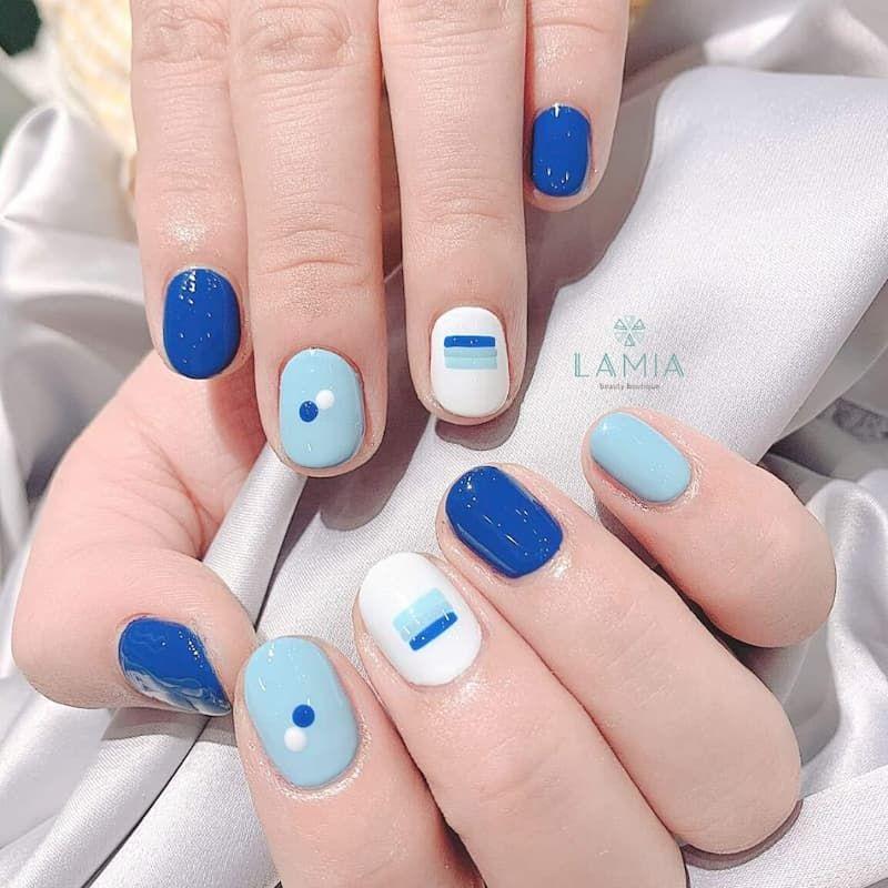 Nail màu xanh