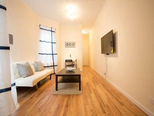 Sunny One Bedroom Apartment In The Upper East Side Furnished Apartment 1 Bedroom Apartment Bedroom Apartment
