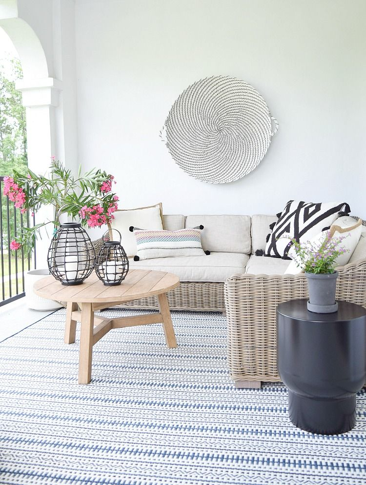 Favorite Outdoor Rugs + Pillows This Season #outdoorrugs