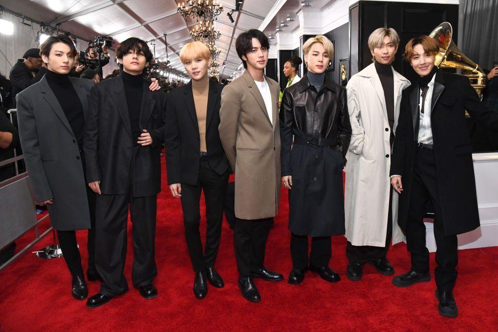 Bts 200126 Grammy Awards Red Carpet In 2020 Bts Show Bts Jimin Grammy