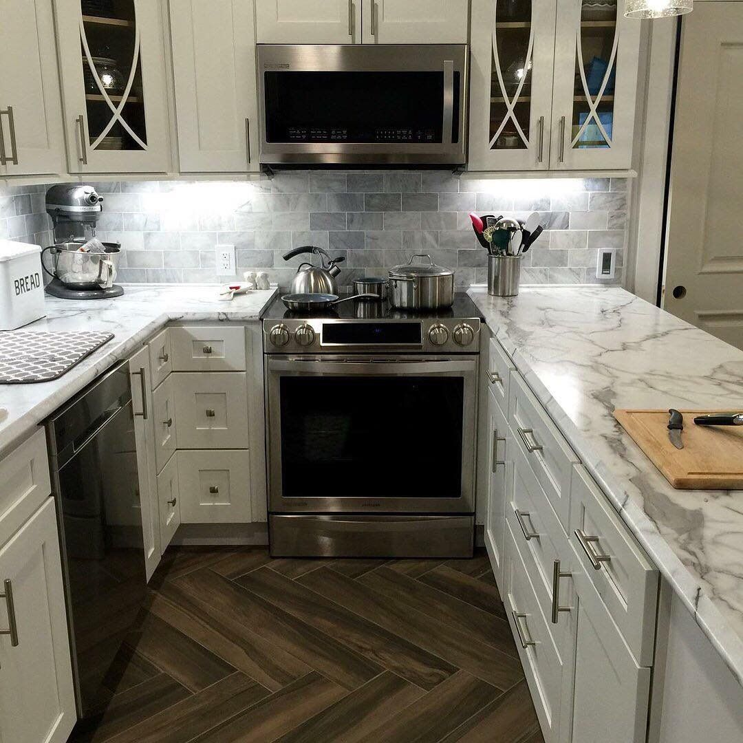 Shaker White Cabinets Paired With 180fx Laminate Calacatta Marble Lamin Trendy Kitchen Backsplash Replacing Kitchen Countertops Backsplash For White Cabinets