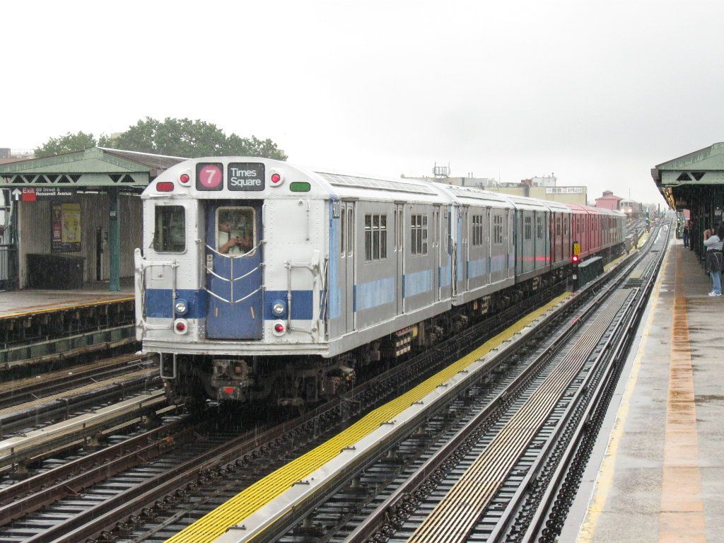NYC_Subway_R33ML_9010_on_the_7.jpg (1024×768) Nyc subway