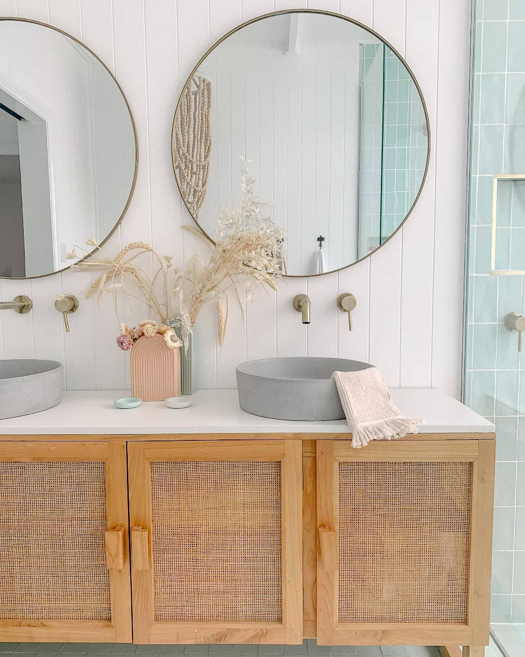 """Photo of The Beach People's Instagram profile post: """"File under: bathroom inspiration✨Shop the last of our Luxe bath collection online now #thebeachpeople"""""""