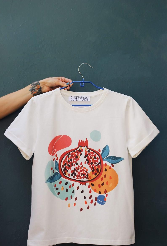 Black Loving Life Graphic Tee Men/'s Abstract Art T-shirt Womens Shirt Bright Colourful Tee