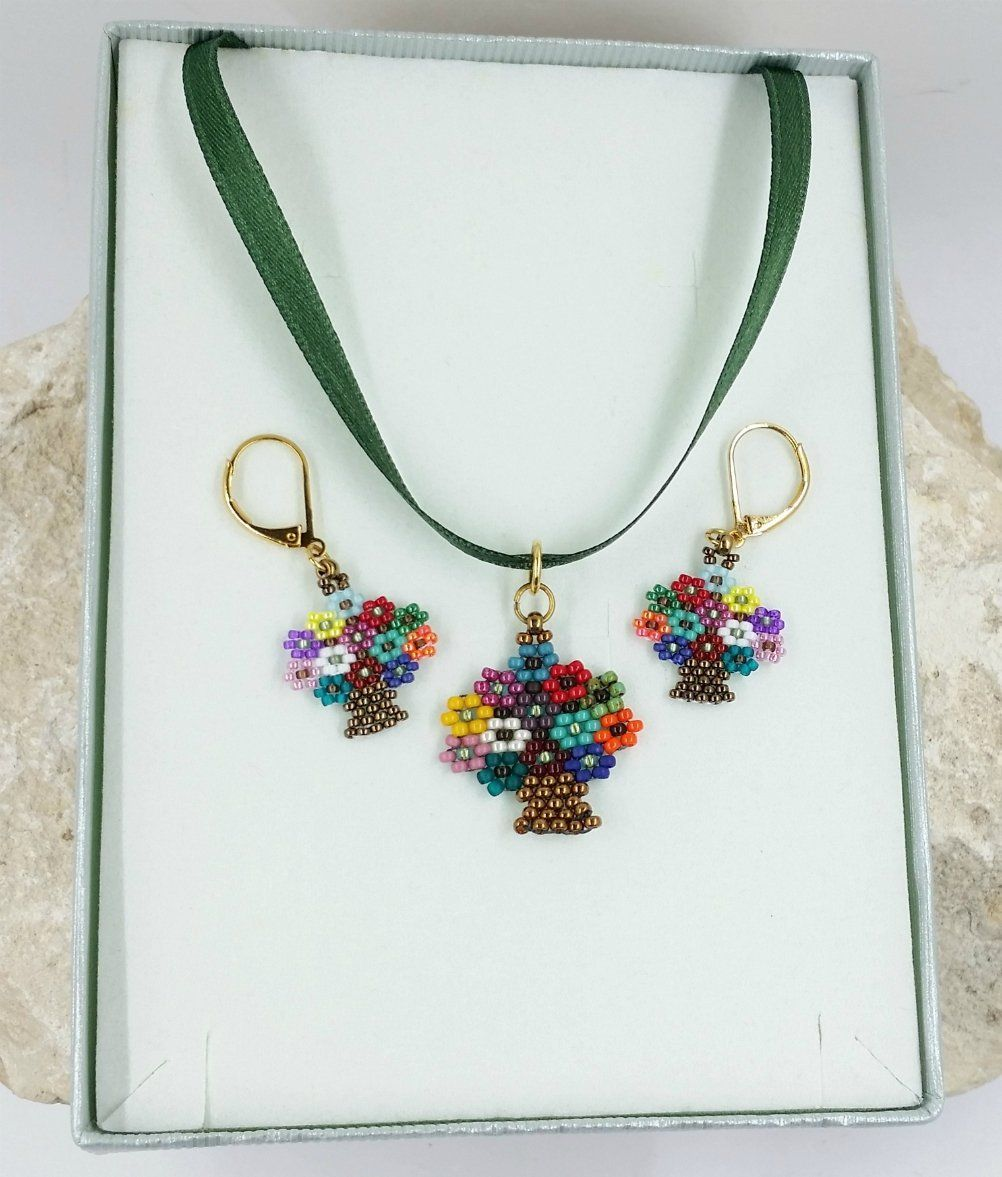 Beaded pendant necklace and earring set flowers for her gift for