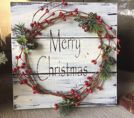 Rustikale Weihnachten Winter Holz Palette Zeichen w / Beere Girlande Kiefer Kegel, Frohe Weihnachten Schablone, Weihnachtsdekoration, Weihnachtsdekoration