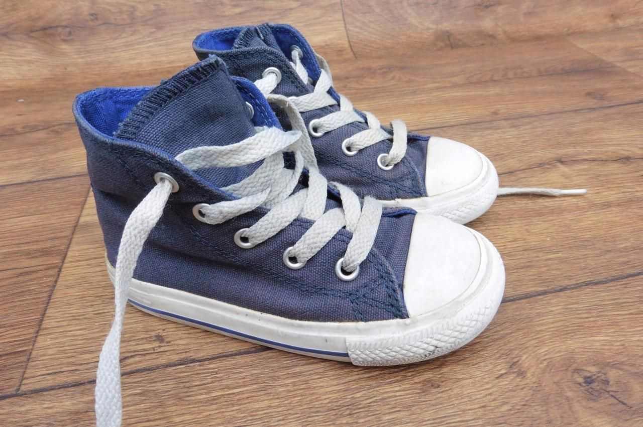 f23573f7f43 Details about SIZE UK 8 INFANTS CONVERSE ALL STAR HI NAVY CANVAS BASEBALL  BOOTS PLIMSOLL SHOES