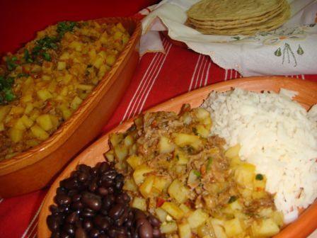 Picadillo de papa típico | Cocinando con Tia Florita