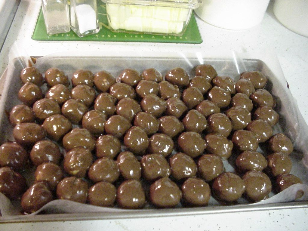 These are one of my favorite Marijuana infused treats. These peanut butter balls will melt in your mouth. They are rich and creamy and simply awesome.