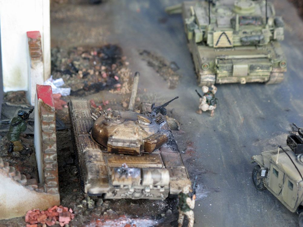 iraq war diorama in 1 87 scale with roco arsenalm and sdv. Black Bedroom Furniture Sets. Home Design Ideas