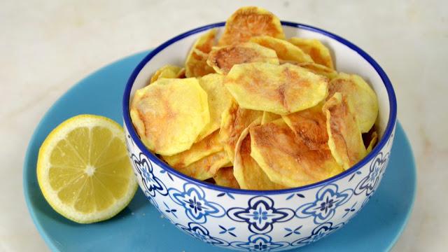 Patatas Fritas Al Microondas Faciles Rapidas Y Muy Sanas En 2020 Papas Al Microondas Trampantojo Comida Recetas Con Patatas