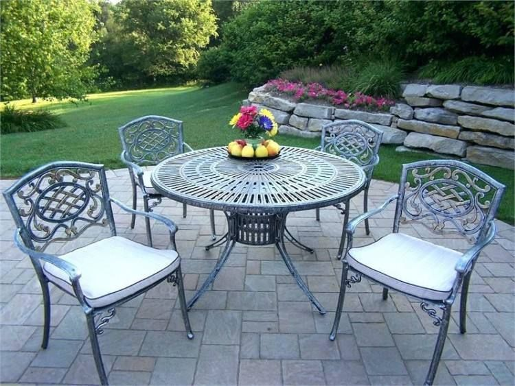 Vintage Iron Patio Furniture, What Is The Best Paint For Metal Outdoor Furniture