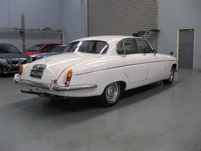 1969 Jaguar 420G | Jaguar car, Jaguar, Jaguar daimler