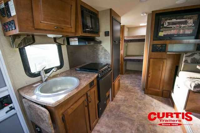 2016 New Lance 2185 Travel Trailer in Oregon OR.Recreational Vehicle, rv, 2016 Lance 2185, Accessories: CONVERTIBLE SOFA/QUEEN BED,DAY/NIGHT SHADES,3-BURNER HIGH OUTPUT RANGE W/OVEN/COVER,MICROWAVE OVEN,TV 32 INCH 12 VOLT,FANTASTIC ROOF VENT,SPARE TIRE,A/C COLEMAN 9 LOW PRO WALL CONTROL,ELECTRIC TONGUE JACK,AWNING 18 POWER W/LED LIGHTING,AWNING SLIDEOUT COVER,LADDER,KEYLESS ENTRY,ALL WEATHER PACKAGE,,