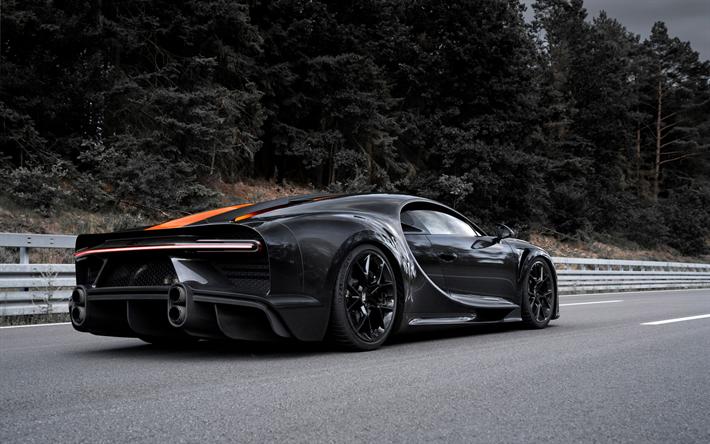 Download imagens Bugatti Chiron Super Sport 300, 2020, visão traseira, carbono hipercarro, ajuste Chiron, preto e laranja Chiron, Sueco supercarros, Bugatti #bugattichiron