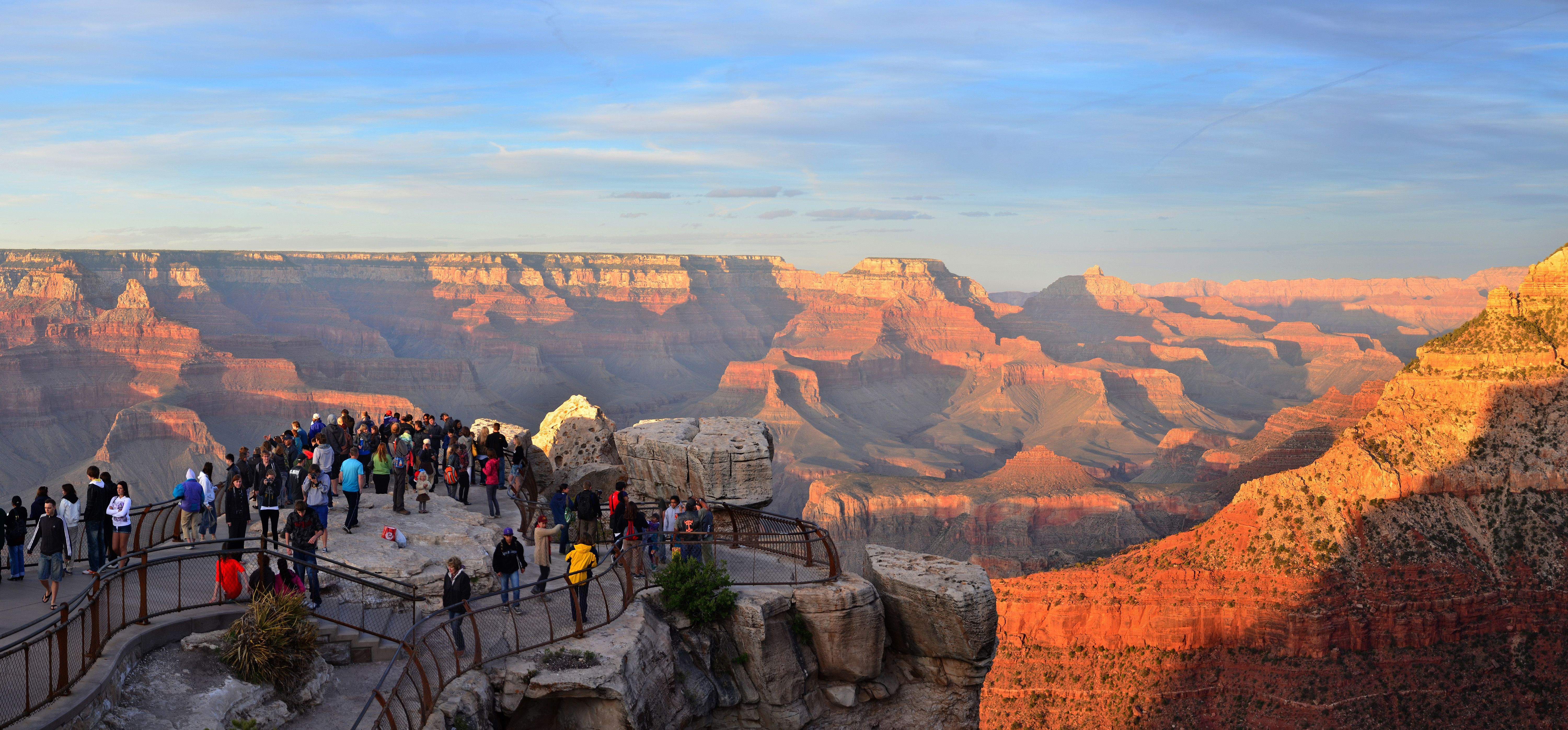 A Short Walk From The Grand Canyon Visitor Center To Mather