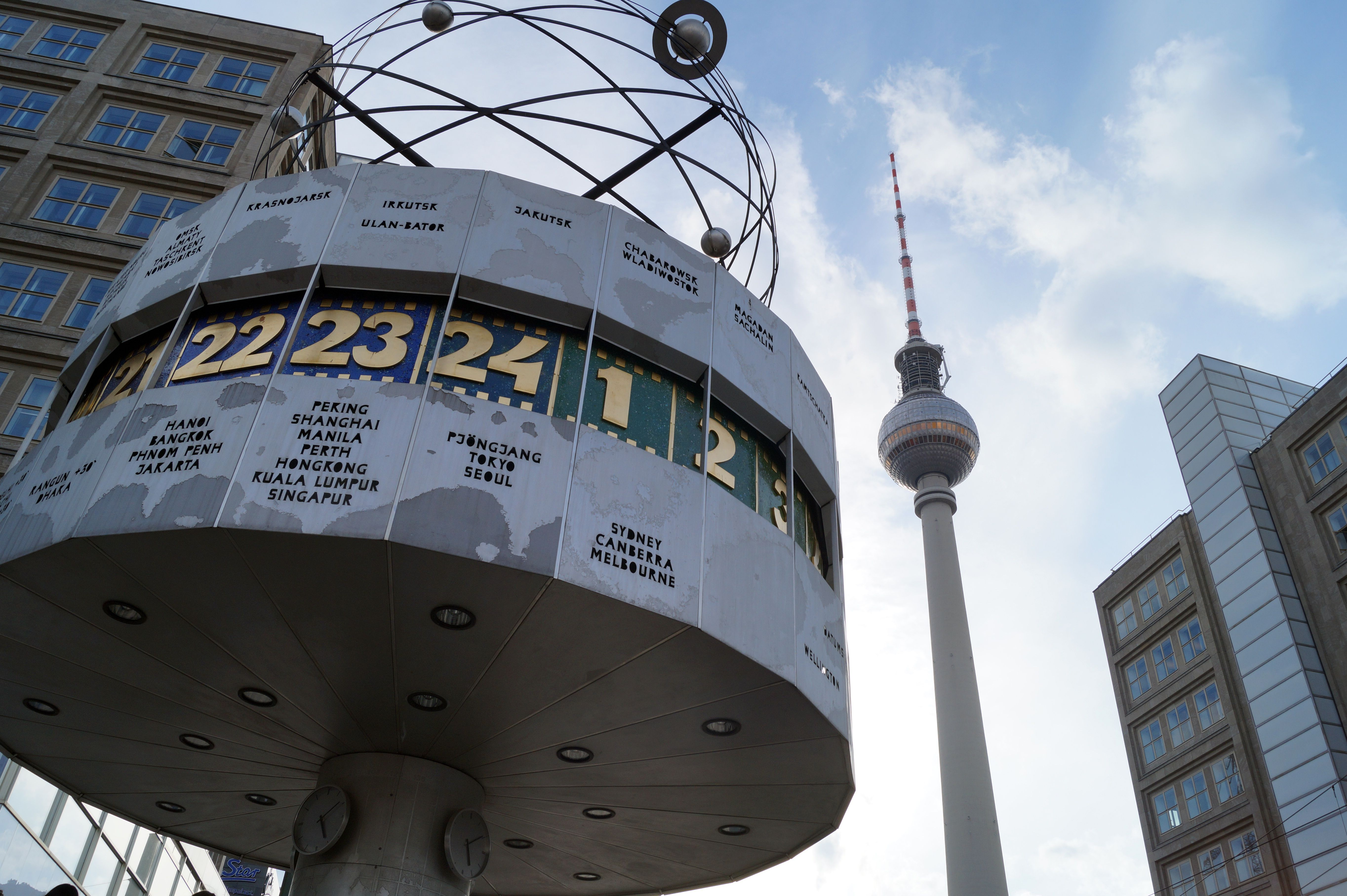 The World Clock At Alexanderplatz Berlin Berlin Germany Cities In Germany