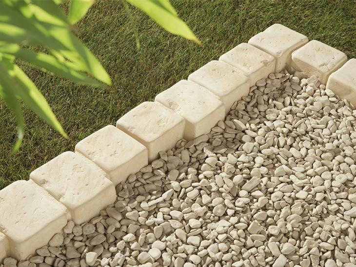 La Bordure Elle Assure Leroy Merlin Idees Jardin Jardins Plante Terrasse