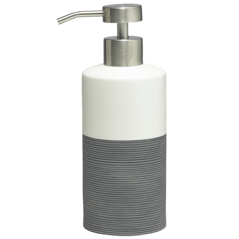 Modern, strak en natuurlijk: de Doppio zeepdispenser is het allemaal. Door het stevige porselein is dit zeeppompje klaar voor jarenlang gebruik in de badkamer of keuken. Hij is bovendien lekker praktisch, want hij zorgt voor een nauwkeurige dosering!